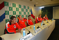 20-9-06,Leiden, Daviscup Netherlands-Tsjech Republic, The newcommers in the Dutch team Robin Haase(r) and Igor Sijsling, next to Raemon Sluiter, captain Tjerk Bogtstra and Peter Wesseld during the press conferance