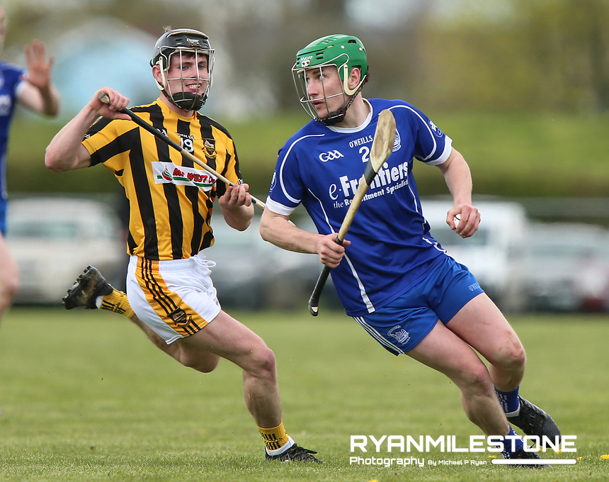 Pa Dunne of Thurles Sarsfields in action against Michael Lee of Upperchurch/Drombane during the Centenary Agri Mid Senior Hurling Championship Quarter Final between Thurles Sarsfields and Upperchurch/Drombane on Saturday 28th April 2018 at Templetuohy, Co Tipperary, Photo By Michael P Ryan