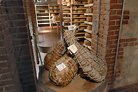 - Eataly, market for the sale of quality Italian food, cellar for ham aging<br />