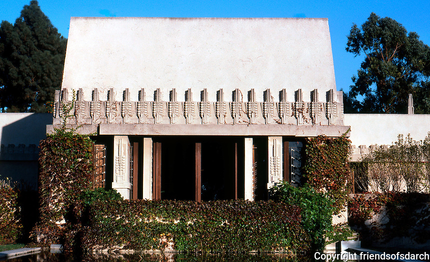F.L. Wright: Barnsdall House, 1919. Western elevation
