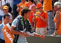 24-05-11, Tennis, France, Paris, Roland Garros, Thums UP voor Robin Haase, hij gaat door nar de tweede ronde