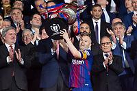 FC Barcelona Andres Iniesta receive the cup during King's Cup Finals match between Sevilla FC and FC Barcelona at Wanda Metropolitano in Madrid, Spain. April 21, 2018.  *** Local Caption *** © pixathlon<br /> Contact: +49-40-22 63 02 60 , info@pixathlon.de