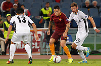Calcio, Europa League: Roma vs Astra Giurgiu. Roma, stadio Olimpico, 29 settembre 2016.<br /> Roma's Juan Iturbe, center, is challenged by Astra Giurgiu's Junior Morais, left, and Florin Lovin during the Europa League Group E soccer match between Roma and Astra Giurgiu at Rome's Olympic stadium, 29 September 2016. Roma won 4-0.<br /> UPDATE IMAGES PRESS/Riccardo De Luca
