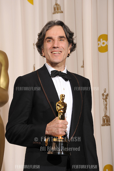 Daniel Day Lewis at the 80th Annual Academy Awards at the Kodak Theatre, Hollywood..February 24, 2008 Los Angeles, CA.Picture: Paul Smith / Featureflash