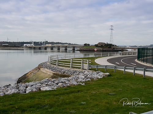 Haulbowline Amenity Park includes 4km of harbour-side walkways, a 1km jogging circuit