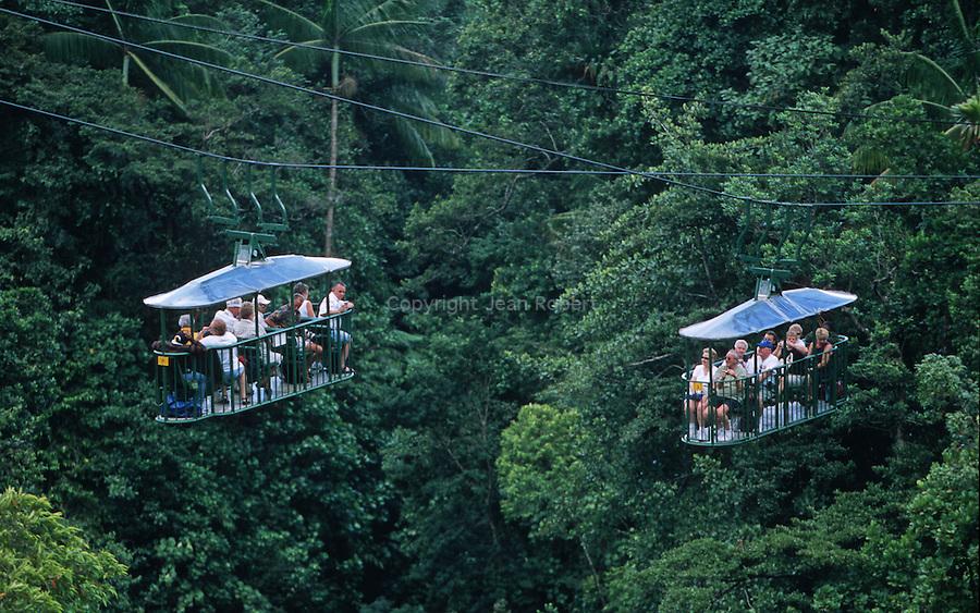 aerial tram in the Morne Trois pitons national park<br /> <br /> Un telesiege installe dans les hauteurs de la jungle du parc de Morne Trois pitons permet de decouvrir la vegetation et la canopee en toute securite a 30 m de haut.