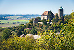 Deutschland, Bayern, Mittelfranken, Altmuehltal, Markt Colmberg: Burg Colmberg, auch Burg Kolbenberg, mit Bergfried, heute ein Hotel | Germany, Bavaria, Middle Franconia, Altmuehl Valley, Colmberg: Castle Colmberg with donjon, today a hotel