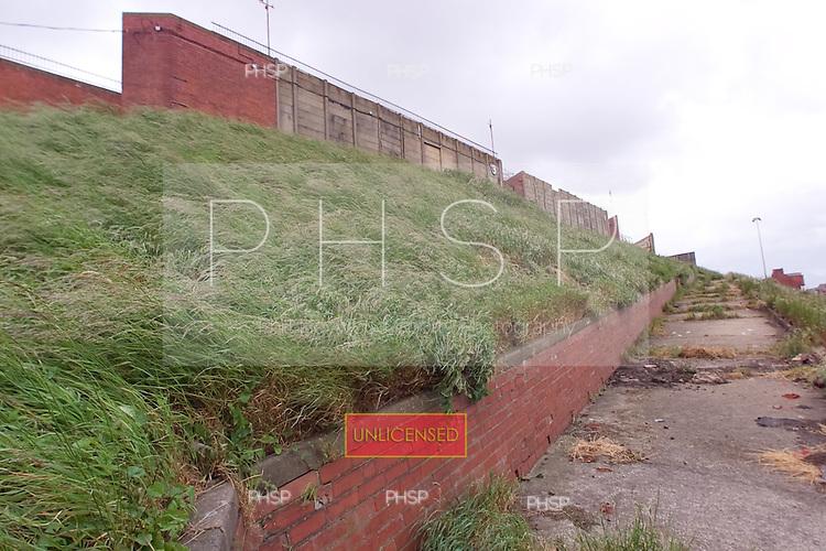 23/06/2000 Blackpool FC Bloomfield Road Ground..Kop rear , visitors walkway.....© Phill Heywood.
