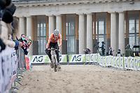 Mathieu Van der Poel (NED/Alpecin-Fenix) crushing the competition<br /> <br /> UCI 2021 Cyclocross World Championships - Ostend, Belgium<br /> <br /> Elite Men's Race<br /> <br /> ©kramon