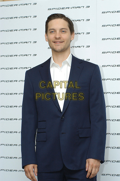 """TOBEY MAGUIRE .Photocall for """"Spider-Man 3"""" held at the Hotel Excelsior, Rome, Italy..April 24th, 2007.half length blue suit jacket .CAP/CAV.©Luca Cavallari/Capital Pictures"""