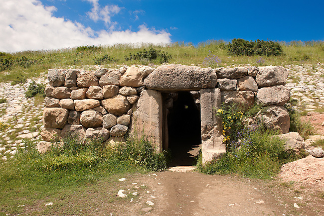 Photo of the  gates which led to tunnels under the walls of the Hittite capital Hattusa 4