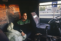- Camionista riposa in un'area di sosta sull'autostrada<br /> <br /> - Truck driver sleeps in a parking area on the highway