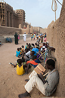 MALI, Djenne , Grand Mosque built from clay is a UNESCO world heritage site, madrasa islamic school / MALI, Djenne , Grosse Moschee gebaut aus Lehm ist UNESCO Weltkulturerbe, Koranschule