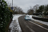 Treacherous roads following Heavy Snowfall at Sidcup, Kent, England on the 8 February 2021. Photo by Alan Stanford.