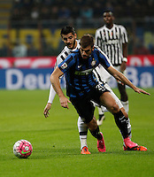 Calcio, Serie A: Inter vs Juventus. Milano, stadio San Siro, 18 ottobre 2015. <br /> FC Inter's Davide Santon, right, is chased by Juventus' Alvaro Morata during the Italian Serie A football match between FC Inter and Juventus, at Milan's San Siro stadium, 18 October 2015.<br /> UPDATE IMAGES PRESS/Isabella Bonotto