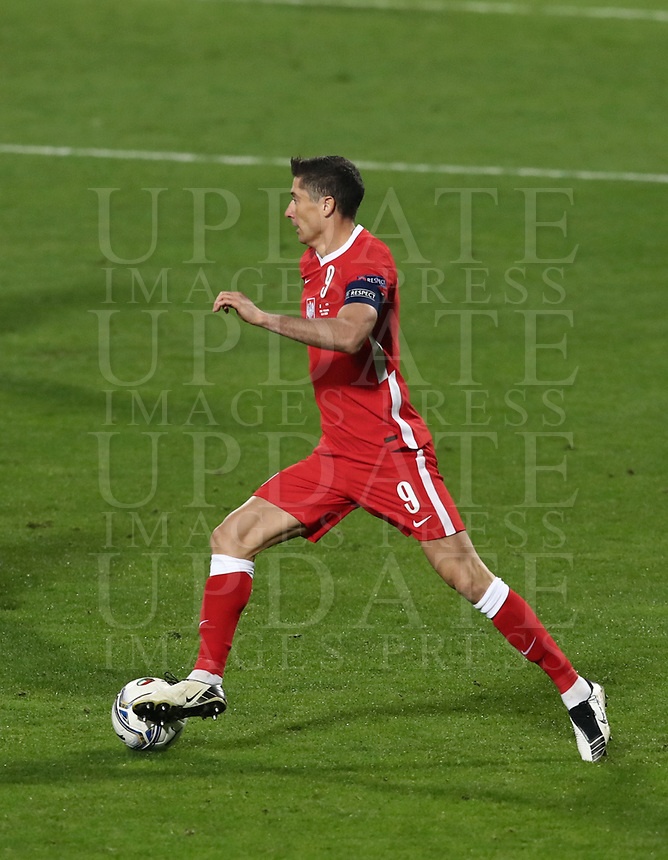Football: Uefa Nations League Group A match Italy vs Poland at Mapei stadium, Città del Tricolore in Reggio Emilia, on Novemner 15, 2020.<br /> Poland's captain Robert Lewandowski in action during the Uefa Nations League match between Italy and Poland at Mapei  stadium  città del Tricolore in Reggio Emillia, on November 15, 2020. <br /> UPDATE IMAGES PRESS/Isabella Bonotto