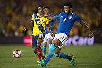 action photo during the match Brasil vs Ecuador, at Rose Bowl Stadium Copa America Centenario 2016. ---Foto  de accion durante el partido Brasil vs Ecuador, En el Estadio Rose Bowl, Partido Correspondiante al Grupo -B-  de la Copa America Centenario USA 2016, en la foto: (i)-(d) Miler Bolanos, Gil<br /> --- 04/06/2016/MEXSPORT/ Osvaldo Aguilar