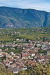 Italy, Alto Adige-Trentino, South Tyrol, Appiano sulla Strada del Vino, district San Michele, at Wine Route | Italien, Suedtirol, Alto Adige-Trentino, Eppan-St. Michael an der Weinstrasse: Dorfansicht