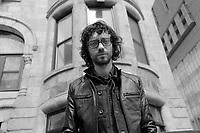 Philippe B<br />  - portraits exclusifs, 2014<br /> <br /> Philippe B, né Philippe Bergeron, est un auteur-compositeur francophone originaire de Rouyn-Noranda, Québec. <br /> <br /> PHOTO D'ARCHIVE: agence Quebec Presse