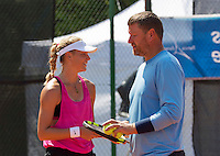 Moscow, Russia, 16 th July, 2016, Tennis,  Olesya Pervushina (RUS) with Evgeny Kafelnikov (RUS)<br /> Photo: Henk Koster/tennisimages.com