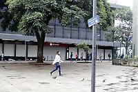 Campinas (SP), 06/03/2021 - Fase Vermelha - Movimentacao na rua 13 de Maio, no centro da cidade de Campinas (SP). A fase vermelha estadual comecou neste sabado (6) em todas as regioes paulistas. Na fase mais restritiva do Plano Sao Paulo, somente servicos essenciais podem funcionar. A medida, anunciada na quarta-feira (3), tem validade de duas semanas, indo ate o dia 19 de marco. Junto com ela, o Estado decretou um toque de restricao das 20h as 5h. (Foto: Denny Cesare/Codigo 19/Codigo 19)