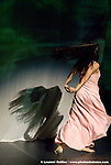 PINA BAUSCH..T A N Z T H E A T E R W U P P E R T A L....Bamboo Blues création     ..une pièce de Pina Bausch..mise en scène et chorégraphie Pina Bausch..décor et vidéos Peter Pabst..costumes Marion Cito..collaboration musicale Matthias Burkert,..Andreas Eisenschneider..assistants à la mise en scène Marion Cito,..Daphnis Kokkinos, Robert Sturm..avec Pablo Aran Gimeno, Rainer Behr, Damiano Ottavio Bigi, Clémentine Deluy, Silvia Farias, Nayoung Kim, Eddie Martinez, Thusnelda Mercy, ..Jorge Puerta Armenta,Azusa Seyama, Franko Schmidt, Shantala Shivalingappa,..Fernando Suels Mendoza, Kenji Takagi, Anna Wehsarg, Tsai-Chin Yu..musique Trilok Gurtu & Arke String Quartett, Suphala, Sunil Ganguly, U. Srinivas & Michael Brook, Talvin Singh, James Asher et Sivamani, Bombay Dub Orchestra, Anoushka Shankar, Amon Tobin, Alice Coltrane, Bill Laswell, Talk Talk, Michael Gordon, Lisa Bassenge, Emmanuel Santarromana, Lutz Glandien, 4Hero, ..Jun Miyake, Solveig Sletahjell, Slowhill, Djivan Gasparyan....Copyright (c) by © Laurent Paillier / photosdedanse.com. All rights reserved