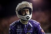 #51: Romain Grosjean, Dale Coyne Racing with RWR Honda crew member