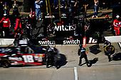 NASCAR Camping World Truck Series<br /> Alpha Energy Solutions 250<br /> Martinsville Speedway, Martinsville, VA USA<br /> Saturday 1 April 2017<br /> Noah Gragson pit stop<br /> World Copyright: Scott R LePage/LAT Images<br /> ref: Digital Image lepage-170401-mv-2325