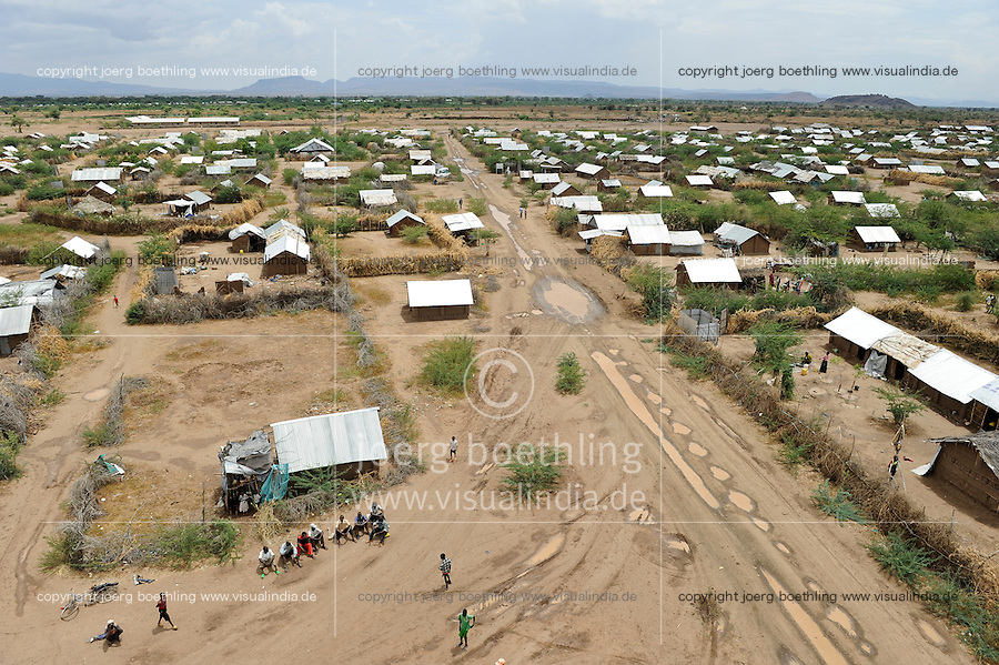 KENYA Turkana Region, refugee camp Kakuma, where 160.000 refugees from Somali, Ethiopia, South Sudan and other countries receive shelter and food from UNHCR, WFP and other NGO´s, new camp section Kakuma IV / KENIA, Fluechtlingslager Kakuma in der Turkana Region , hier werden ca. 160.000 Fluechtlinge aus Somalia, dem Sued Sudan, Aethiopien u.a. vom WFP, UNHCR und anderen NGO´s versorgt, neuer Lagerteil Kakuma IV