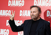 "L'attore Franco Nero posa durante un photocall per la presentazione del film ""Django Unchained"" a Roma, 4 gennaio 2013..Italian actor Franco Nero poses during a photocall for the presentation of the movie ""Django Unchained"" in Rome, 4 January 2013..UPDATE IMAGES PRESS/Isabella Bonotto"