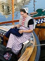 Nederland Spakenburg 2016. Visserijdag in Spakenburg. Tijdens de Visserijdag ligt de haven vol met historische schepen en dragen veel inwoners klederdracht. Foto Berlinda van Dam / Hollandse Hoogte
