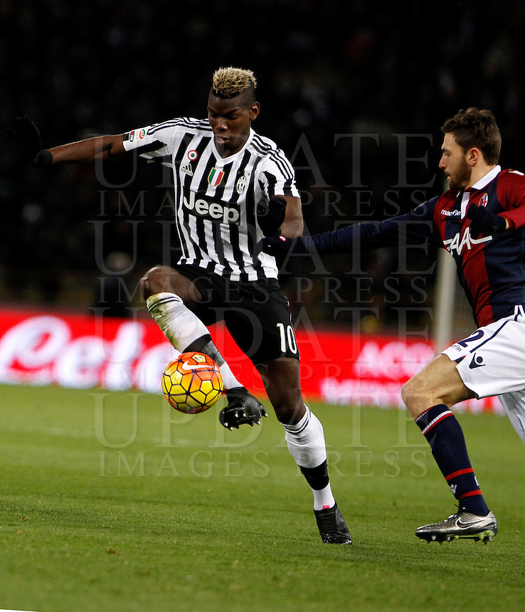 Calcio, Serie A:  Bologna vs Juventus. Bologna, stadio Renato Dall'Ara, 19 febbraio 2016. <br /> Juventus' Paul Pogba, left, is challenged by Bologna's Luca Rizzo during the Italian Serie A football match between Bologna and Juventus at Bologna's Renato Dall'Ara stadium, 19 February 2016.<br /> UPDATE IMAGES PRESS/Isabella Bonotto