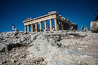 Grecia Atene Acropoli Partenone e turisti