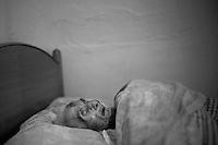 2012-12-26. Pereña, Salamanca.. Teresa Gallego tiene 99 años y quiere morir en su casa de Cabeza de Framontanos. Ella es una de las pacientes de Luis Rodríguez, médico rural en la comarca de Las Arribes (Salamanca), una de las más envejecidas y despobladas de España. La mayoría de los pacientes de esta zona son octogenarios que viven en municipios de menos de 500 habitantes como Pereña o Cabeza. El trabajo del médico rural es similar al de cualquier médico de familia, salvo por las largas distancias que tienen que recorrer para visitar a los pacientes. En algunos pueblos no hay ni siquiera dispensario y es el doctor el que se desplaza a las casas. Esta profesión tampoco se libra de los recortes sanitarios. Por ejemplo, Castilla y León ha decidido suprimir las guardias médicas rurales en 16 puntos de su geografía. (c) Pedro ARMESTRE.<br /> <br /> 2012-12-26. Pereña, Salamanca..Teresa Gallego is 99 years old and she wants to die in her house of the small village of Cabeza de Framontanos. She is one of the patients of Luis Rodríguez, a rural doctor in the region of Las Arribes (Salamanca), one of the most aged and depopulated of Spain. The majority of the patients of this zone are octogenarian that live in very small towns with no more than 500 inhabitants as Pereña or Cabeza. The work of the rural doctor is similar to any other general doctor, except for the long distances that they have to cross. The rural doctor usually moves with his car to the houses of the patients in zones with difficulties to access. The development and the cuts in the budget of the Spanish health can make eliminate this profession. (c) Pedro ARMESTRE