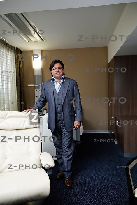 Interview und Portrait von mit Antoine Hubert er ist Delegierter des Verwaltungsrates von Aevis Holding SA am 19. Juni 2013 in der Privatklinik Bethanien an der Toblerstrasse 51 in Zuerich<br /> <br /> Copyright © Zvonimir Pisonic