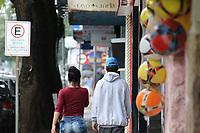 Cosmópolis (SP), 06/03/2021 - Plano-SP - Movimentação na região central de Cosmópolis, inteiror de São Paulo, na manhã deste sábado, onde o prefeito da cidade determinou a abertura do comércio, bares e restaurentes indo contra o Plano São Paulo. A cidade não vai cumprir integralmente a fase vermelha do Plano São Paulo no município. O Governo do Estado determinou que a partir do próximo sábado (6), todos os municípios passam para a fase mais restritiva do plano.