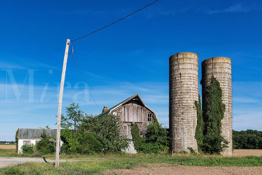 Neglected barn and silos, Delaware, USA