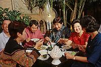 Thaïlande/Bangkok: Réception chez Mr Sun, antiquaire import/export