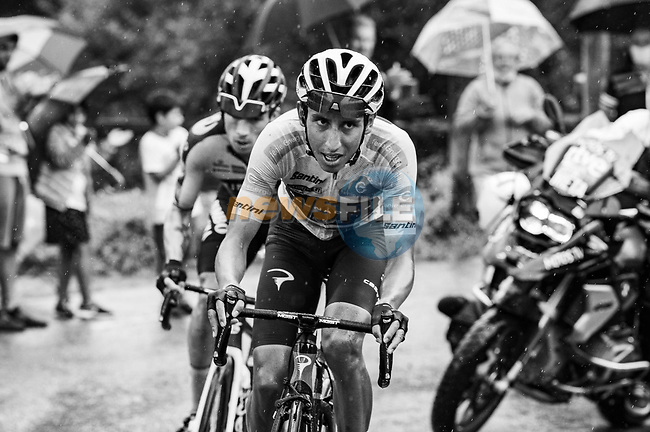 White Jersey Egan Bernal (COL) Ineos Grenadiers and Primoz Roglic (SLO) Jumbo-Visma attack on the second time up La Collada Llomena during Stage 17 of La Vuelta d'Espana 2021, running 185.8km from Unquera to Lagos de Covadonga, Spain. 1st September 2021.    <br /> Picture: Cxcling | Cyclefile<br /> <br /> All photos usage must carry mandatory copyright credit (© Cyclefile | Cxcling)