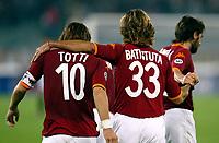 Roma 5 Ottobre 2002<br /> Roma - Udinese 4-1<br /> Gabriel Batistutasi complimenta con Francesco Totti dopo il quarto gol
