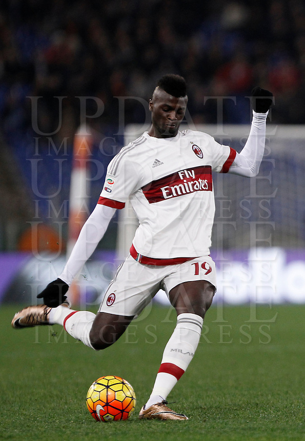 Calcio, Serie A: Roma vs Milan. Roma, stadio Olimpico, 9 gennaio 2016.<br /> AC Milan's M'Baye Niang in action during the Italian Serie A football match between Roma and Milan at Rome's Olympic stadium, 9 January 2016.<br /> UPDATE IMAGES PRESS/Isabella Bonotto