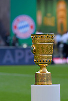 19.05.2018, Football DFB-Pokal Finale 2018, FC Bayern Muenchen - Eintracht Frankfurt, Olympiastadium in Berlin. Pokal,  das Vereinslogo des FC Bayern.  *** Local Caption *** © pixathlon<br /> <br /> Contact: +49-40-22 63 02 60 , info@pixathlon.de