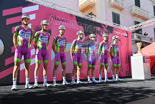 Bardiani CSF Faizane at sign on before the start of Stage 6 of the 103rd edition of the Giro d'Italia 2020 running 188km from Castrovillari to Matera, Sicily, Italy. 7th October 2020.  <br /> Picture: LaPresse/Gian Mattia D'Alberto | Cyclefile<br /> <br /> All photos usage must carry mandatory copyright credit (© Cyclefile | LaPresse/Gian Mattia D'Alberto)
