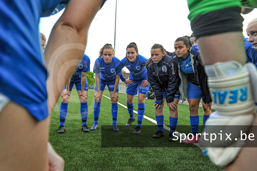team KRC Genk pictured before a female soccer game between Sporting Charleroi and Eendracht Aalst on the 8th matchday in play off 2 of the 2020 - 2021 season of Belgian Scooore Womens Super League , tuesday 18 th of May 2021 in Marcinelle , Belgium . PHOTO SPORTPIX.BE | SPP | STIJN AUDOOREN