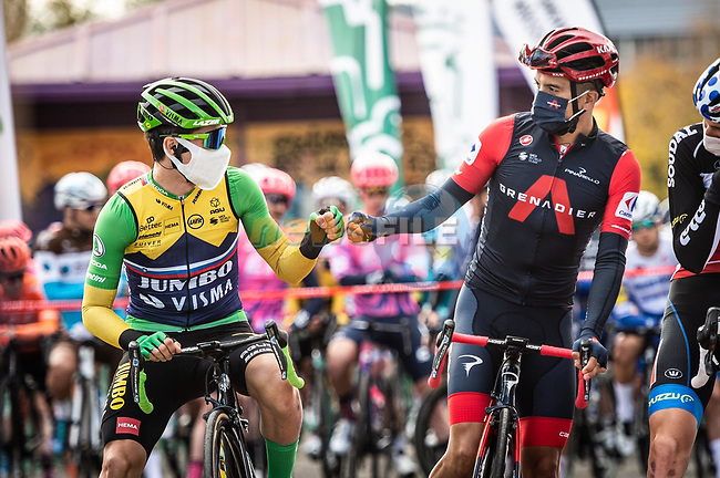 Green Jersey Primoz Roglic (SLO) Team Jumbo-Visma and new race leader Red Jersey Richard Carapaz (ECU) Ineos Grenadiers line up for the start of Stage 7 of the Vuelta Espana 2020 running 159.7km from Vitoria-Gasteiz to Villanueva de Valdegovia, Aramon Formigal, Spain. 27th October 2020.  <br /> Picture: Unipublic/Charly Lopez | Cyclefile<br /> <br /> All photos usage must carry mandatory copyright credit (© Cyclefile | Unipublic/Charly Lopez)
