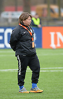 20160405  - Eibergen , NETHERLANDS : Finland's coach Marianne Miettinen pictured during the soccer match between the women under 19 teams of Finland and Belarus , on the first matchday in group 3 of the UEFA Women Under19 Elite rounds in Eibergen , Netherlands. Tuesday 5 th April 2016 . PHOTO DIRK VUYLSTEKE / Sportpix.be