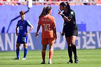 Claudia Umpierrez - arbitre / Danielle van de Donk (Pays Bas) <br /> Valenciennes 29-06-2019 <br /> Football Womens World Cup <br /> Italia - Olanda <br /> Photo JB Autissier/ Panoramic/Insidefoto <br /> ITALY ONLY