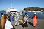 Barge entre petite terre et grande terre a Mamoudzou