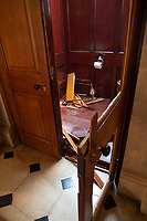 BNPS.co.uk (01202 558833)<br /> Pic: PeterSeaward/BNPS<br /> <br /> Smash and Grab - the crime scene at Blenheim Palace - where raiders broke in to steal artist Maurizio Cattelan's solid gold loo at the weekend.