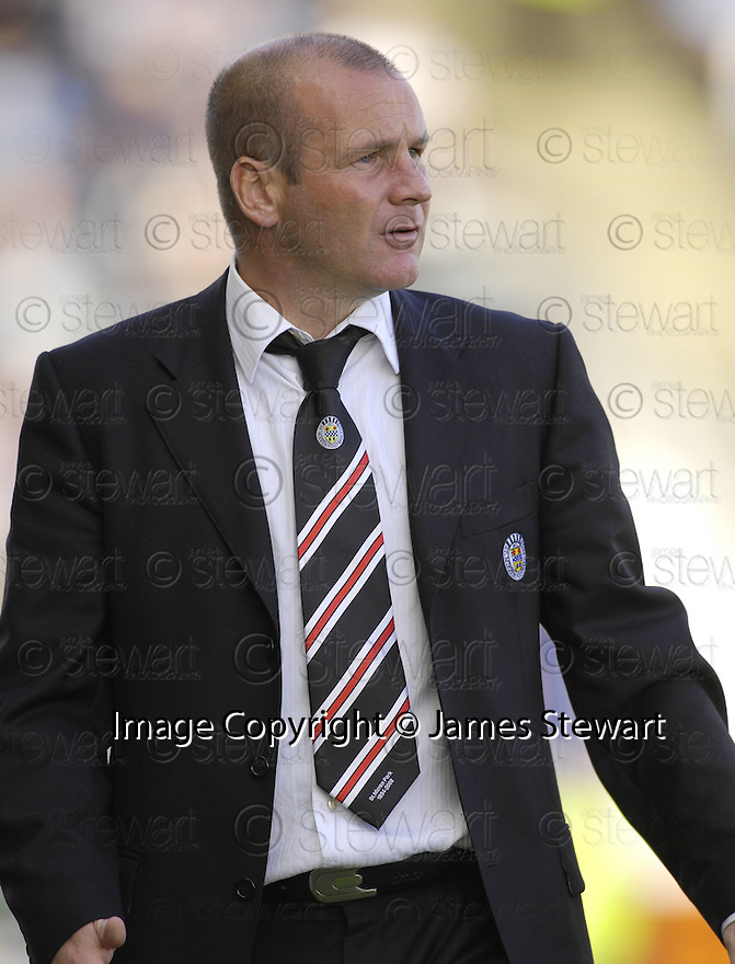 25/08/2007       Copyright Pic: James Stewart.File Name : sct_jspa16_scotland_falkirk_v_st_mirren.GUS MACPHERSON DURING THE GAME AGAINST FALKIRK....James Stewart Photo Agency 19 Carronlea Drive, Falkirk. FK2 8DN      Vat Reg No. 607 6932 25.Office     : +44 (0)1324 570906     .Mobile   : +44 (0)7721 416997.Fax         : +44 (0)1324 570906.E-mail  :  jim@jspa.co.uk.If you require further information then contact Jim Stewart on any of the numbers above........